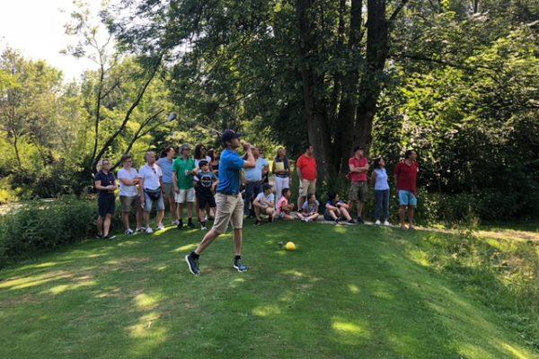 Golfen18WatchingthePro
